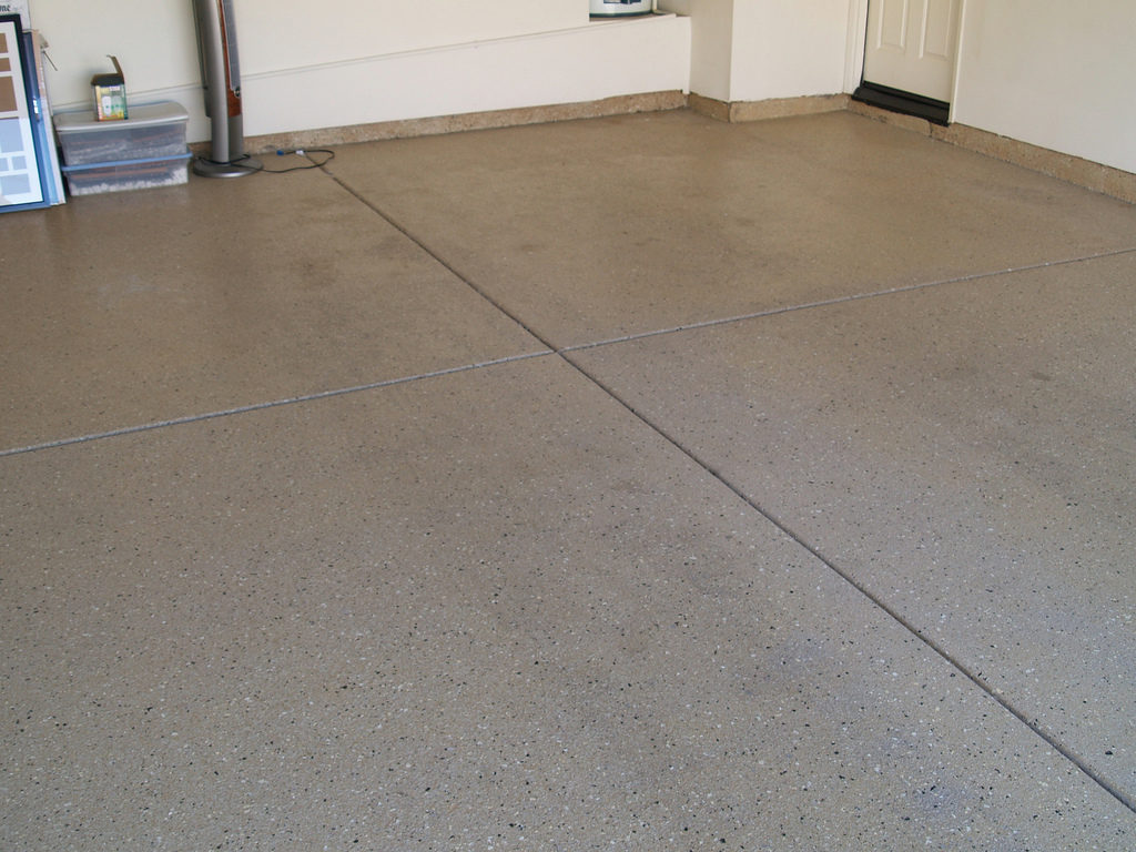 Driveway sealing concrete asphalt sealing parking lot for Concrete flooring service
